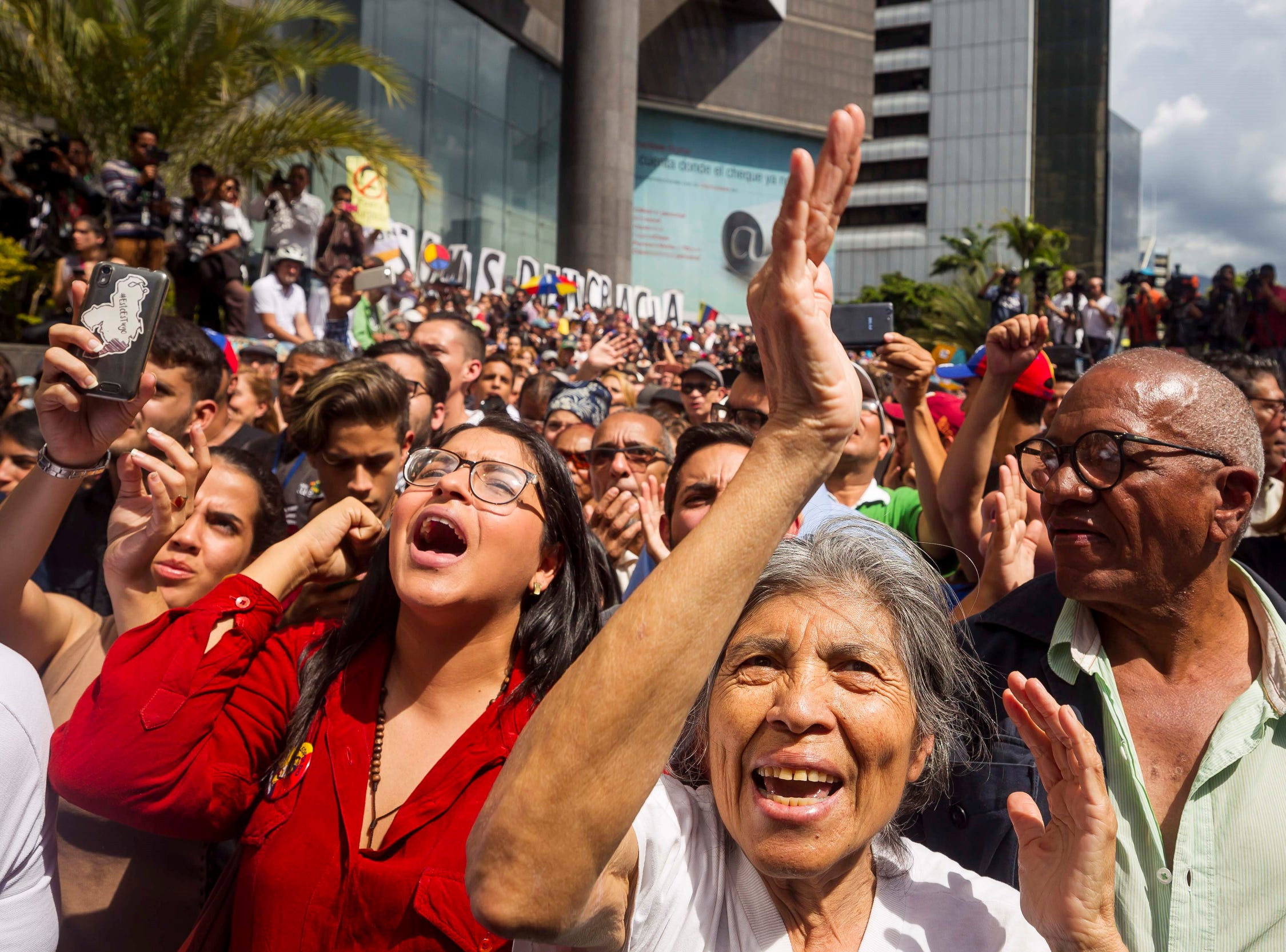 Hundreds protest against Nicolas Maduro's government, in Caracas, Venezuela, on Jan. 11, 2019. Venezuela has been facing an economic and social crisis where the inflation is rampant and the shortages of basic items have lead millions of people into poverty.