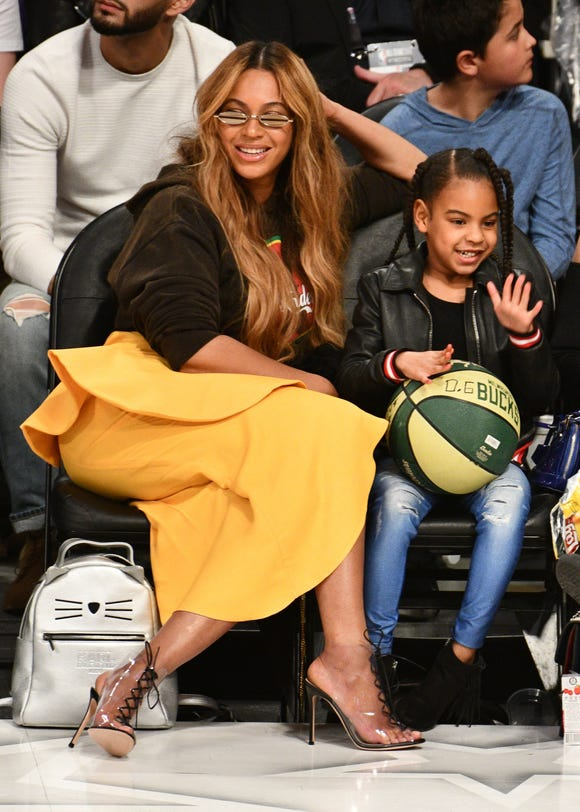 Beyonce and Blue Ivy Carter look like twins in the singer's latest Instagram picture.