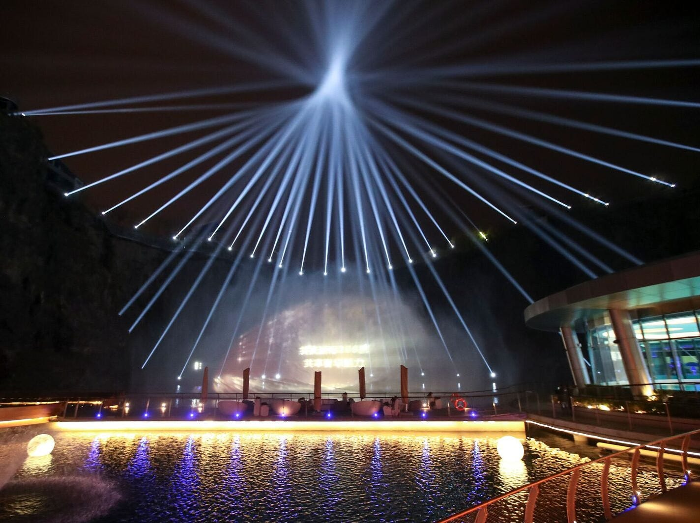 Companies can emblazon their logo in lights on the water streams for special events, and each evening, guests clamor to their balconies to snap the best photos of this Las Vegas-style performance.