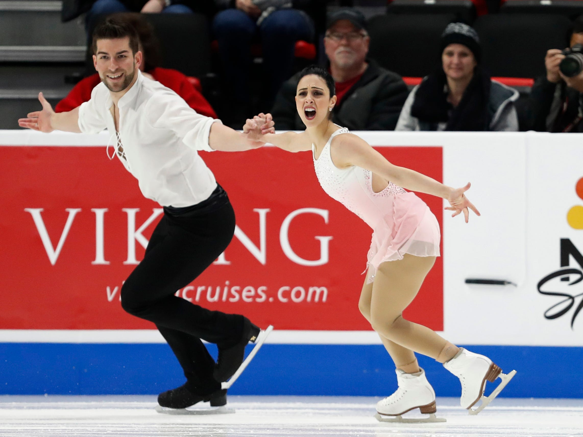 Deanna Stellato-Dudek and Nathan Bartholomay perform in the pairs short program.