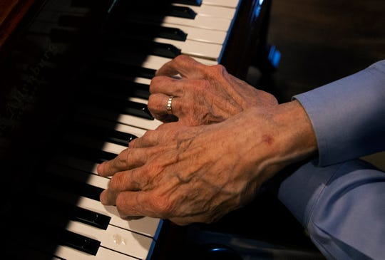 Frankie Fingers' hands still have the magic.