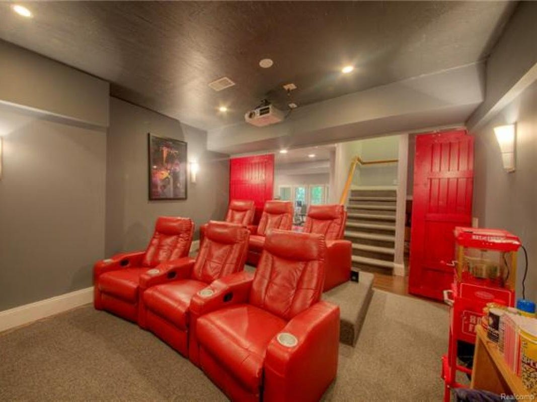 It also has a 2,173-square-foot walkout basement with a home theater, full bathroom, storage room, gym area and concrete patio.