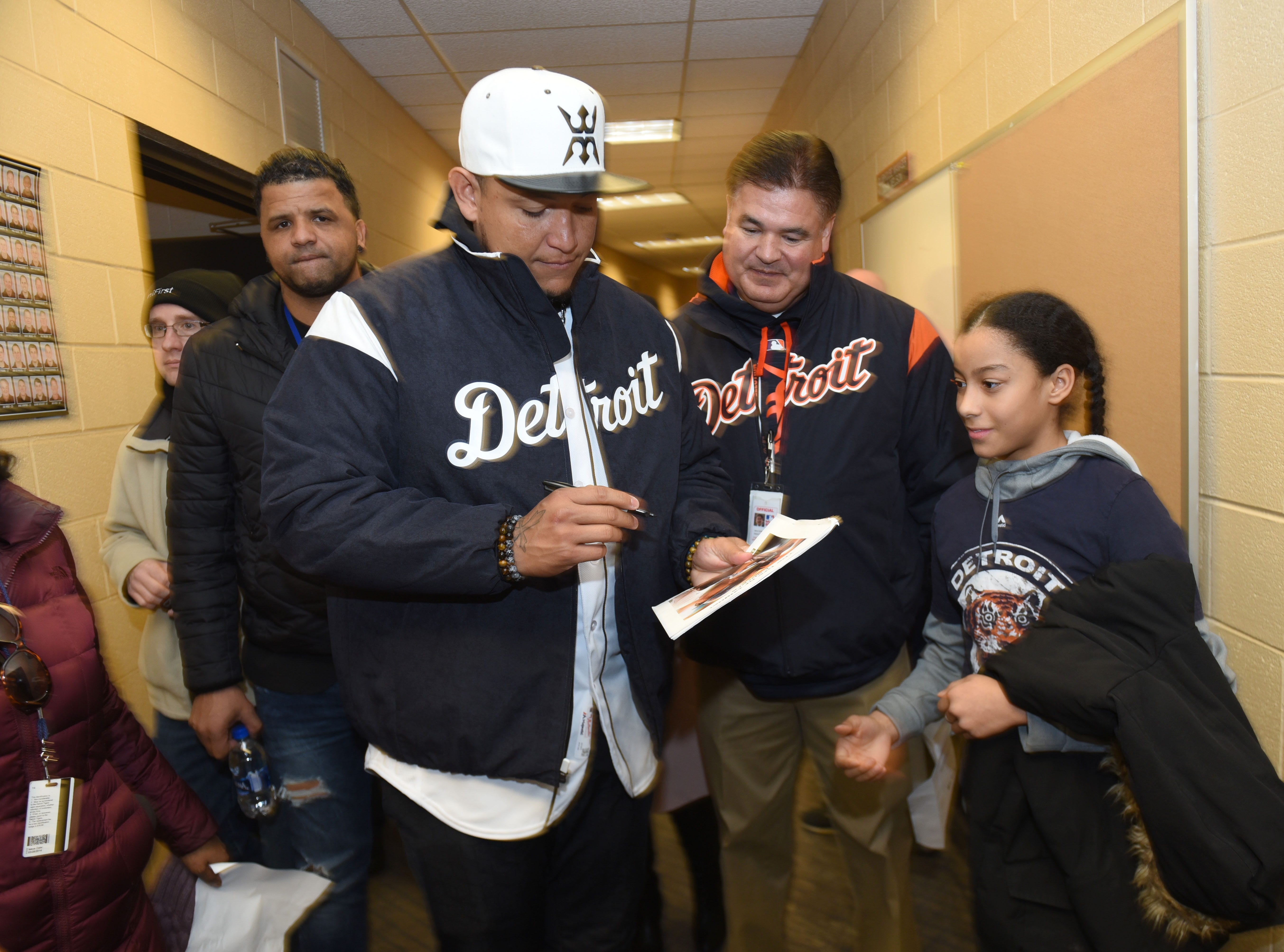 Detroit Tigers Miguel Cabrera signs an autograph for Layla Flores of Commerce Township during TigerFest on Saturday, January 26, 2019. Max Ortiz, The Detroit News