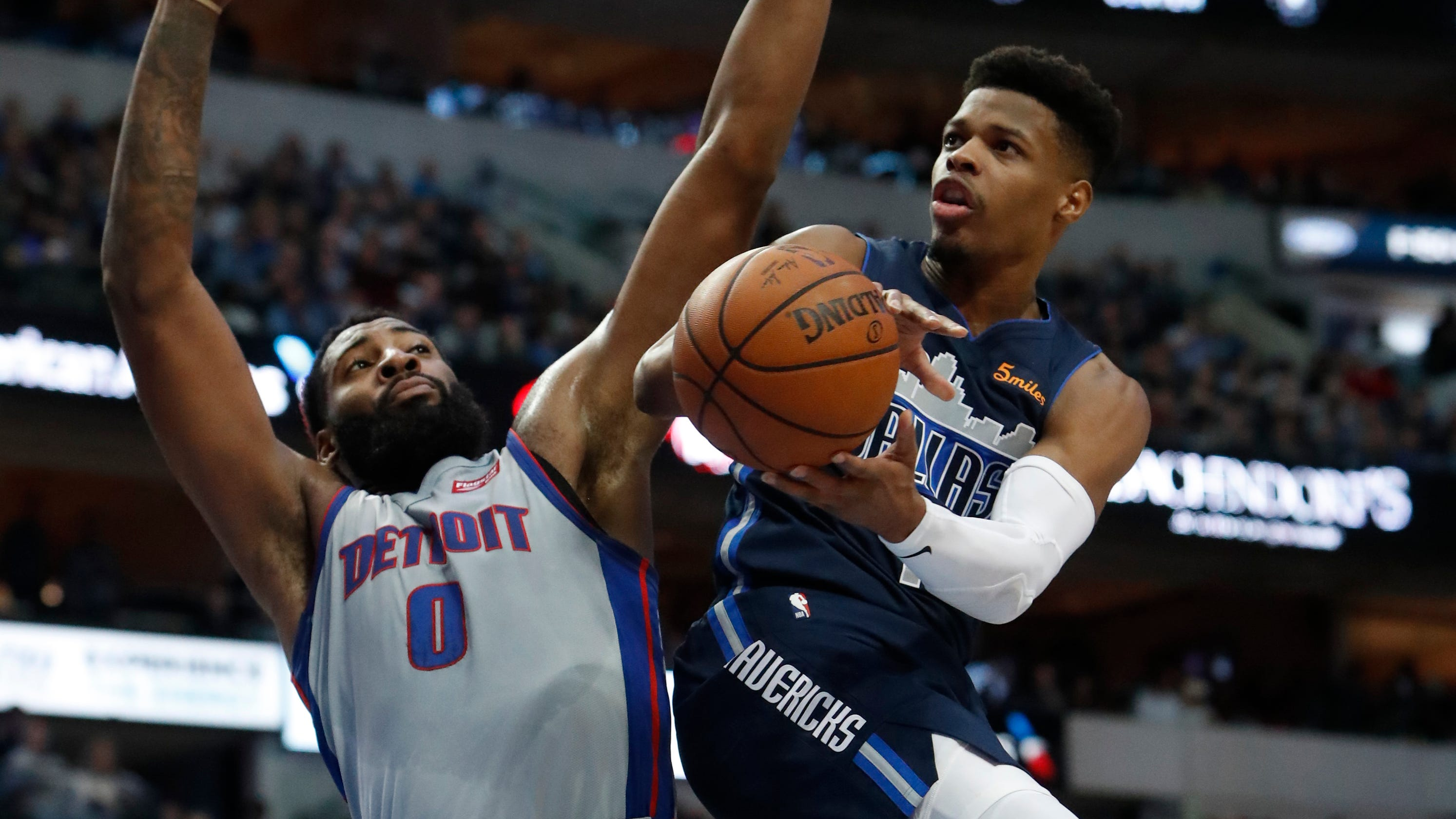 Pistons hang on despite misfiring offense to beat Indiana ...  |Andre Drummond Pistons Dunk