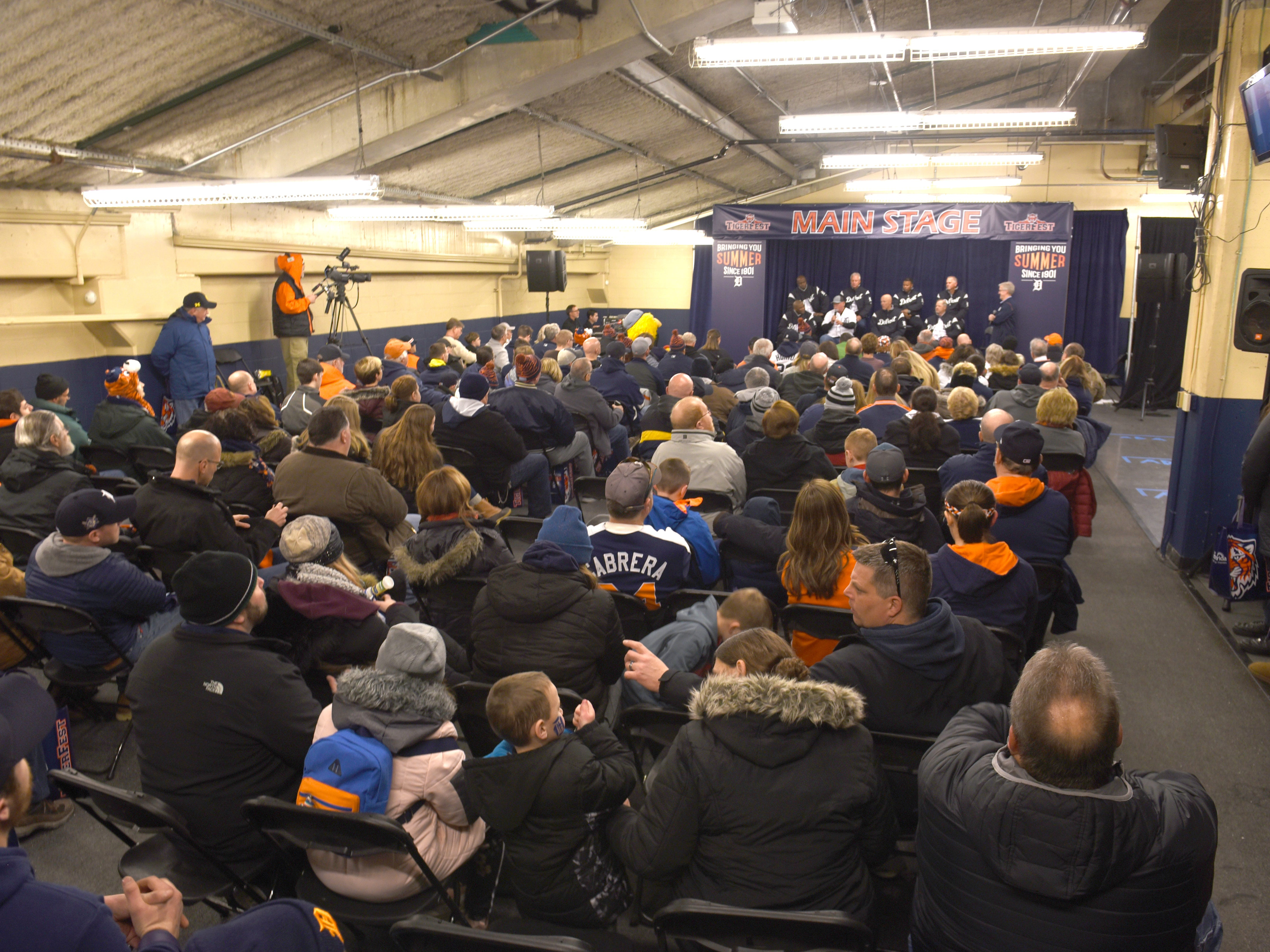 Crowds listens to Detroit Tigers coaching staff at TigerFest 2019.