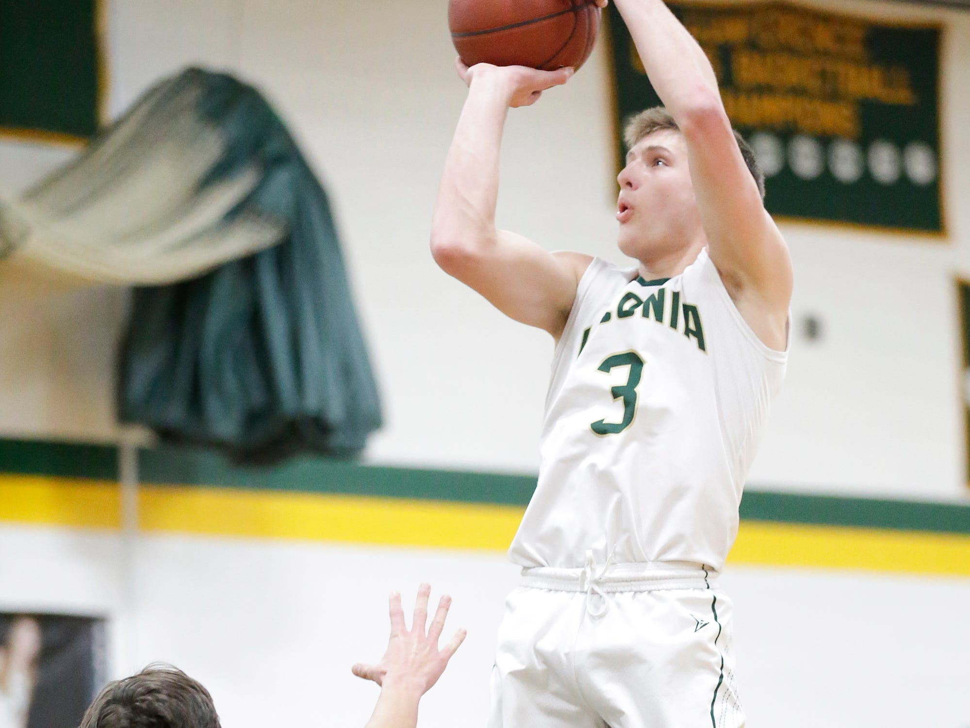 Laconia High School boys basketball's Reed Gunnink goes up for a shot against Mayville High School during their game Friday, January 25, 2019 in Rosendale. Laconia won the game 80-54. Doug Raflik/USA TODAY NETWORK-Wisconsin