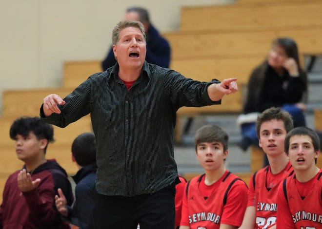 Seymour coach Jon Murphy shouts instructions during a boys basketball game against West De Pere on Jan. 25, 2019.