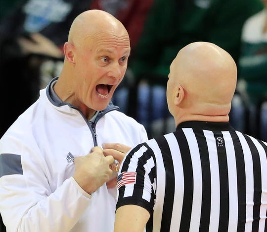 UWGB women's basketball coach Kevin Borseth watched his team fall to 2-2 in Horizon League play after a loss at Oakland on Thursday.