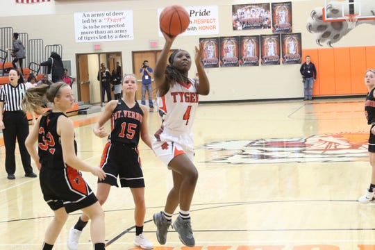 Mansfield Senior's Na'Kyra Petty led the Lady Tygers to a win over Lexington on Thursday with 16 points.
