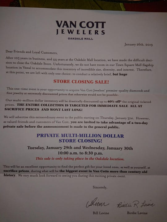 The closing notice posted by Van Cott Jewelers notifying customers of the pending closure of the store's Oakdale Mall outlet.