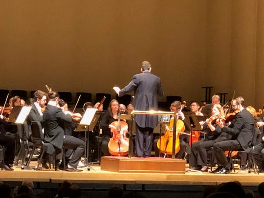 Robert Moody leads the Evansville Philharmonic Orchestra Saturday.