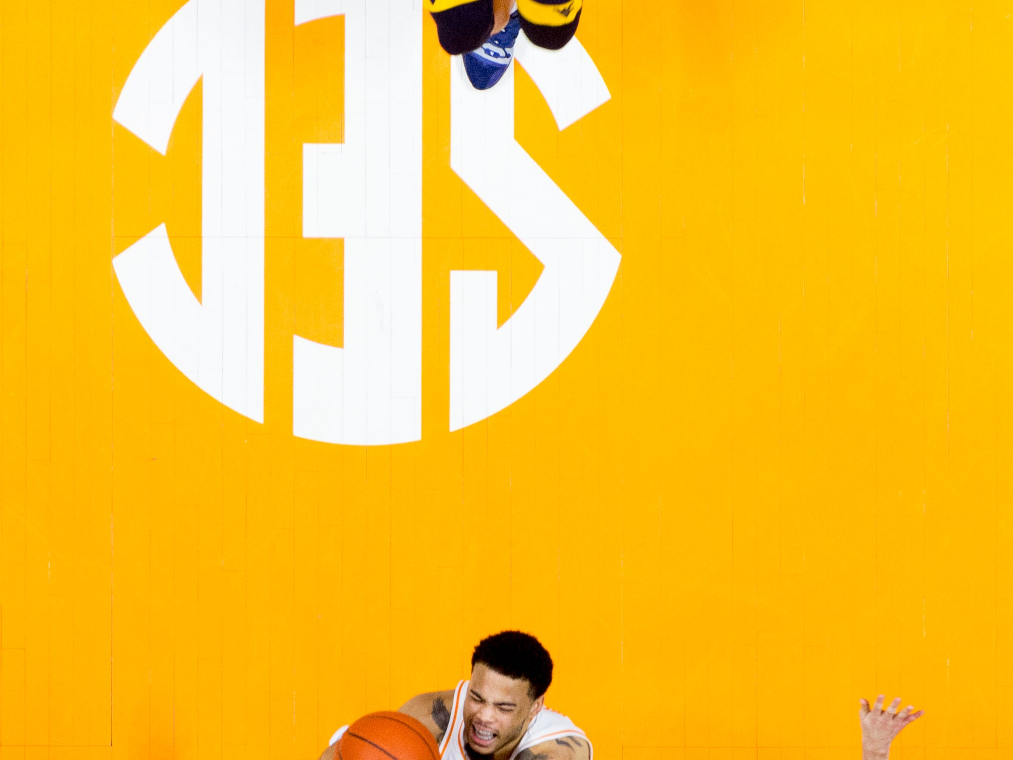 Tennessee guard Lamonte Turner (1) shoots the ball during a SEC/Big 12 Challenge game between Tennessee and West Virginia at Thompson-Boling Arena in Knoxville, Tennessee on Saturday, January 26, 2019.