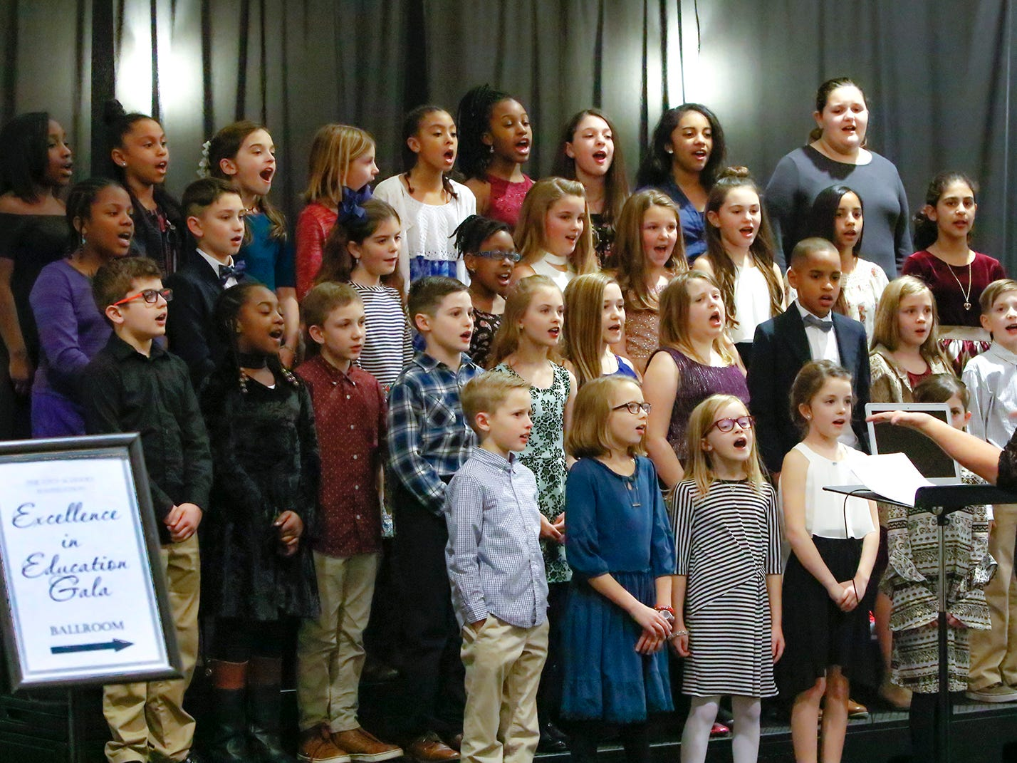 Overall Creek Elementary was the featured school at the 2019 Excellence in Education Gala, hosted by the City Schools Foundation. The event was held Friday, Jan. 25, 2019 at Stones River Country Club in Murfreesboro. Dacari Middlebooks was the featured speaker.