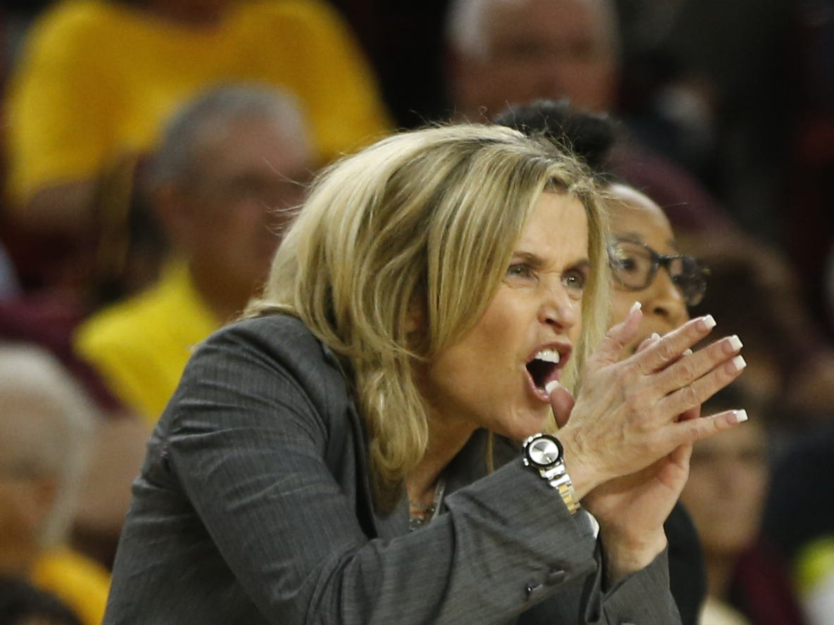 ASU's head coach Charli Turner Thorne claps to her team during the second half against USC at Wells Fargo Arena in Tempe, Ariz. on January 27, 2019.