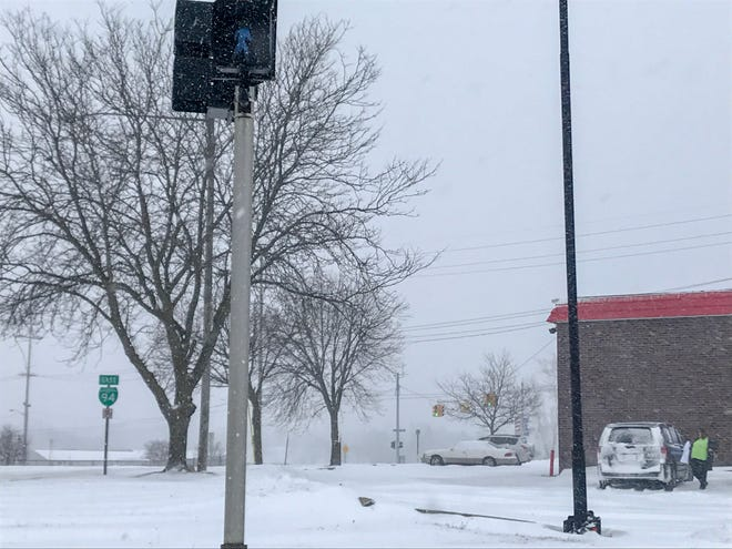 Weather predictions for Monday, Jan. 28, 2019, have the snow coming down all day, not stopping until evening.