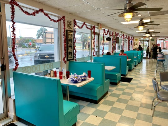 Grace's, soon to be Marilyn's is a '50's-style diner with a Rock-Ola jukebox, mementos on the walls, aqua-colored booths and lots of pastels elsewhere.