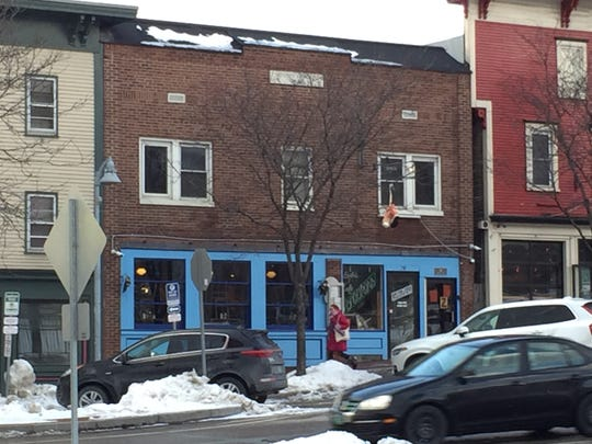 Sneakers Bistro will add space from a second-floor apartment to its ground-floor restaurant in Winooski.