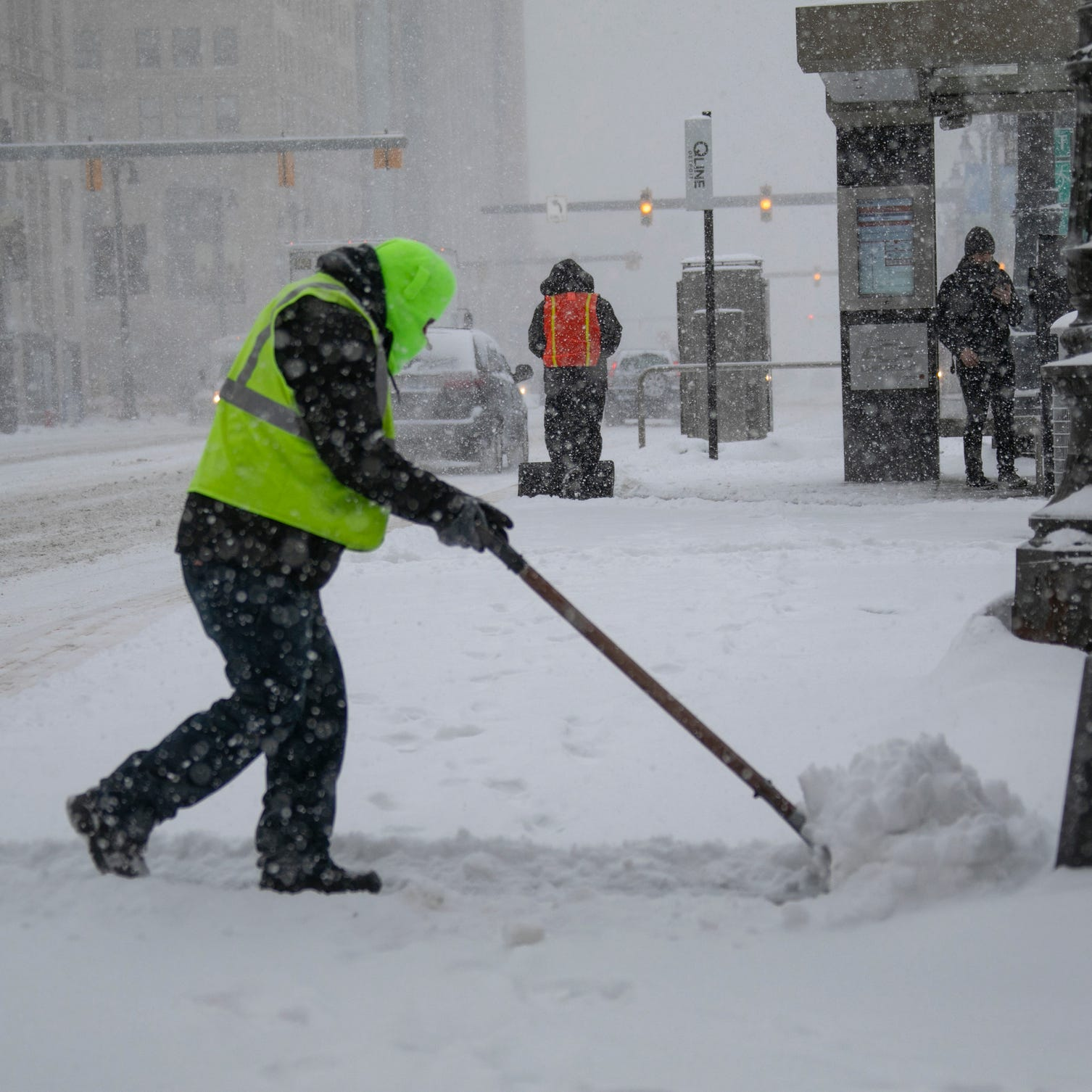 Flurries, arctic air expected to hit southeast Michigan, National Weather service says