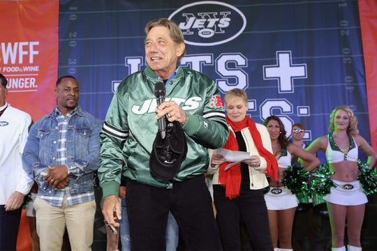 Joe Namath led the Jets to a stunning victory over the Colts in Super Bowl III.