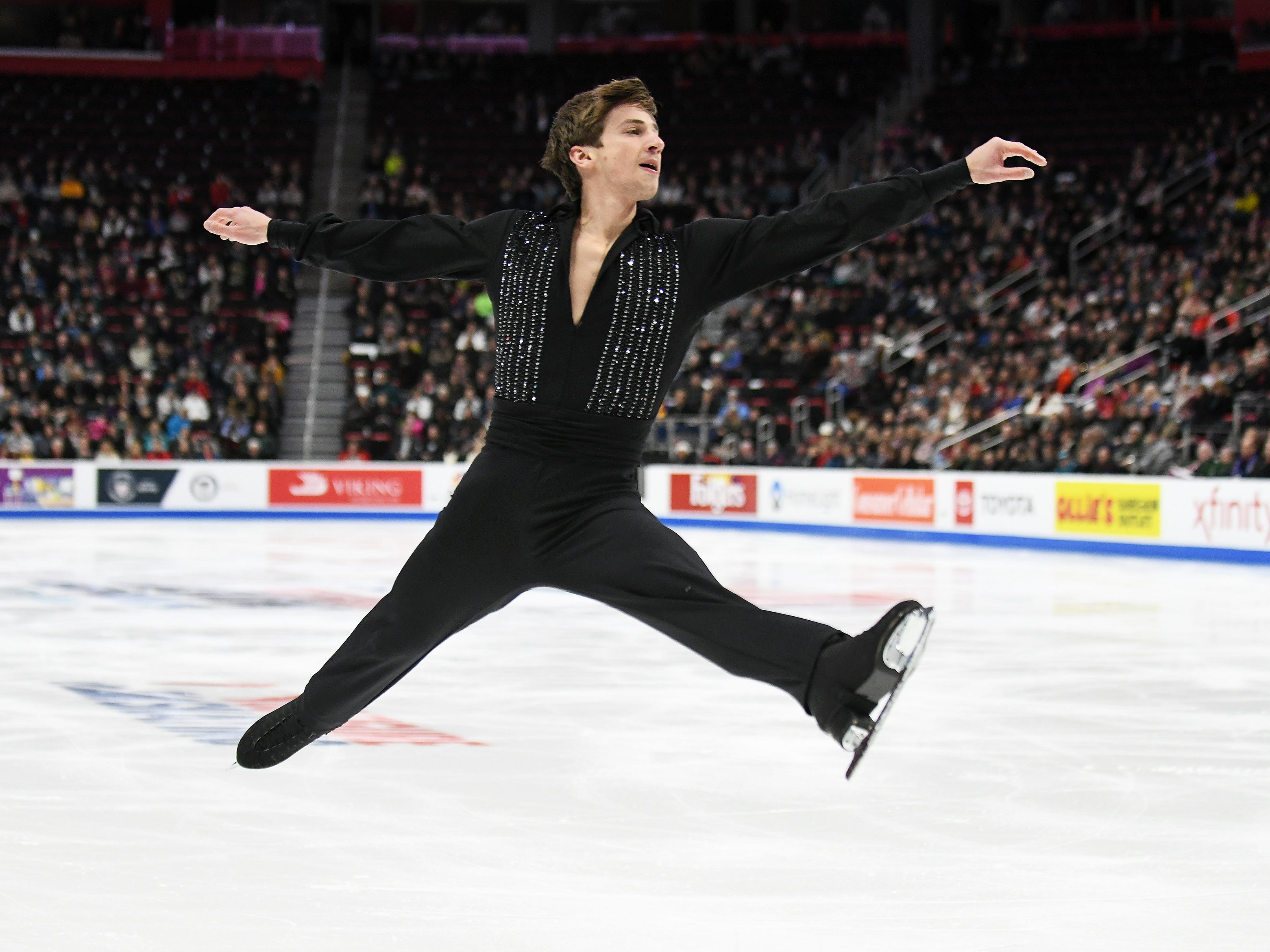 Timothy Dolensky skates in the men's free skate.