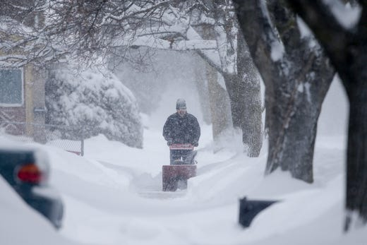 Wisconsin weather: Winter storm hits state