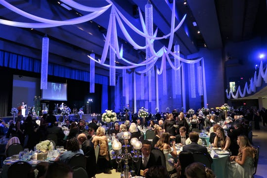 The Carl Perkins Civic Center hosted a sold out crowd for the annual fundraising event for the Jackson Symphony.