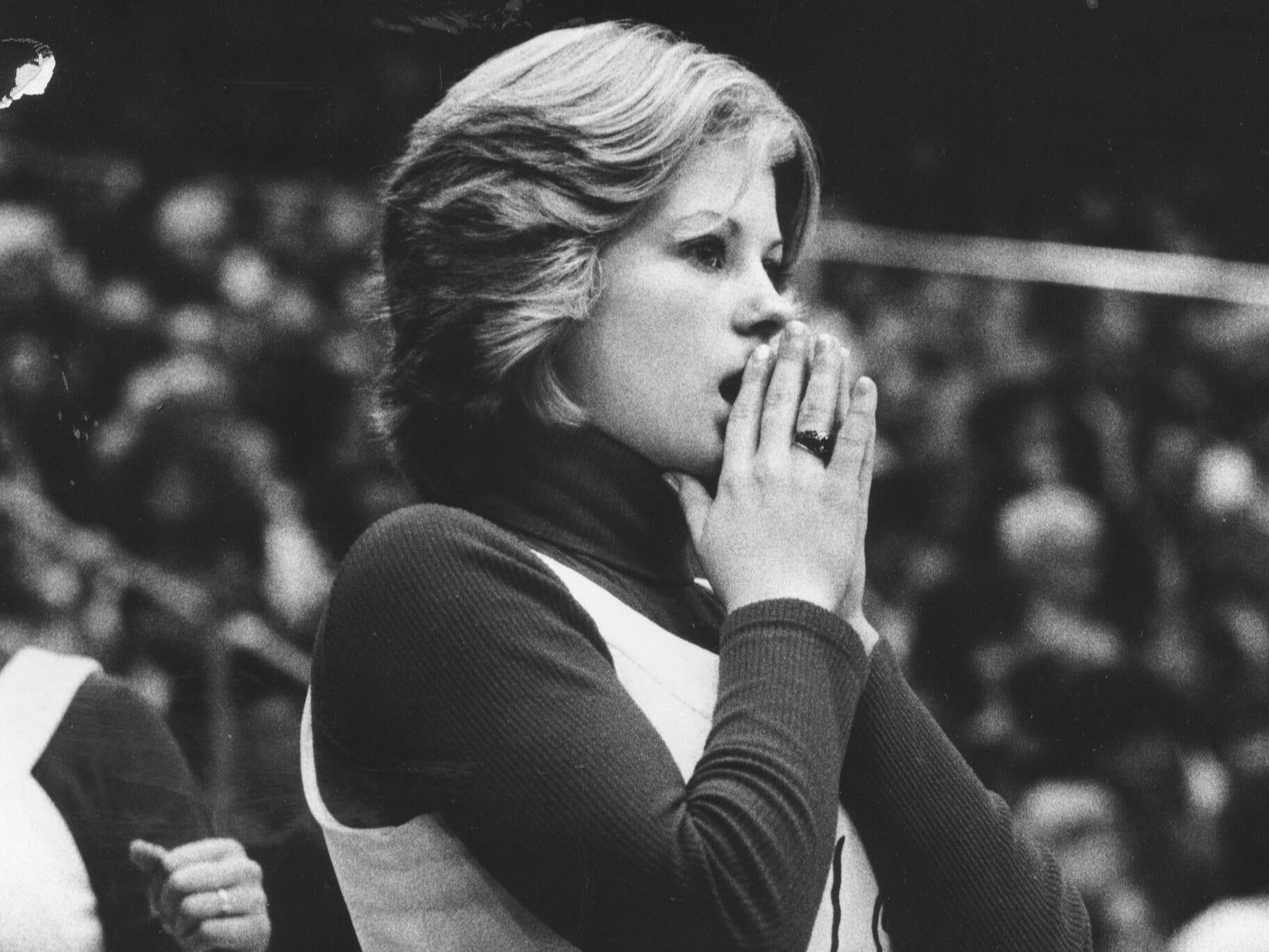 Jeffersonville cheerleader Sandy Kelly. Mar. 15, 1976