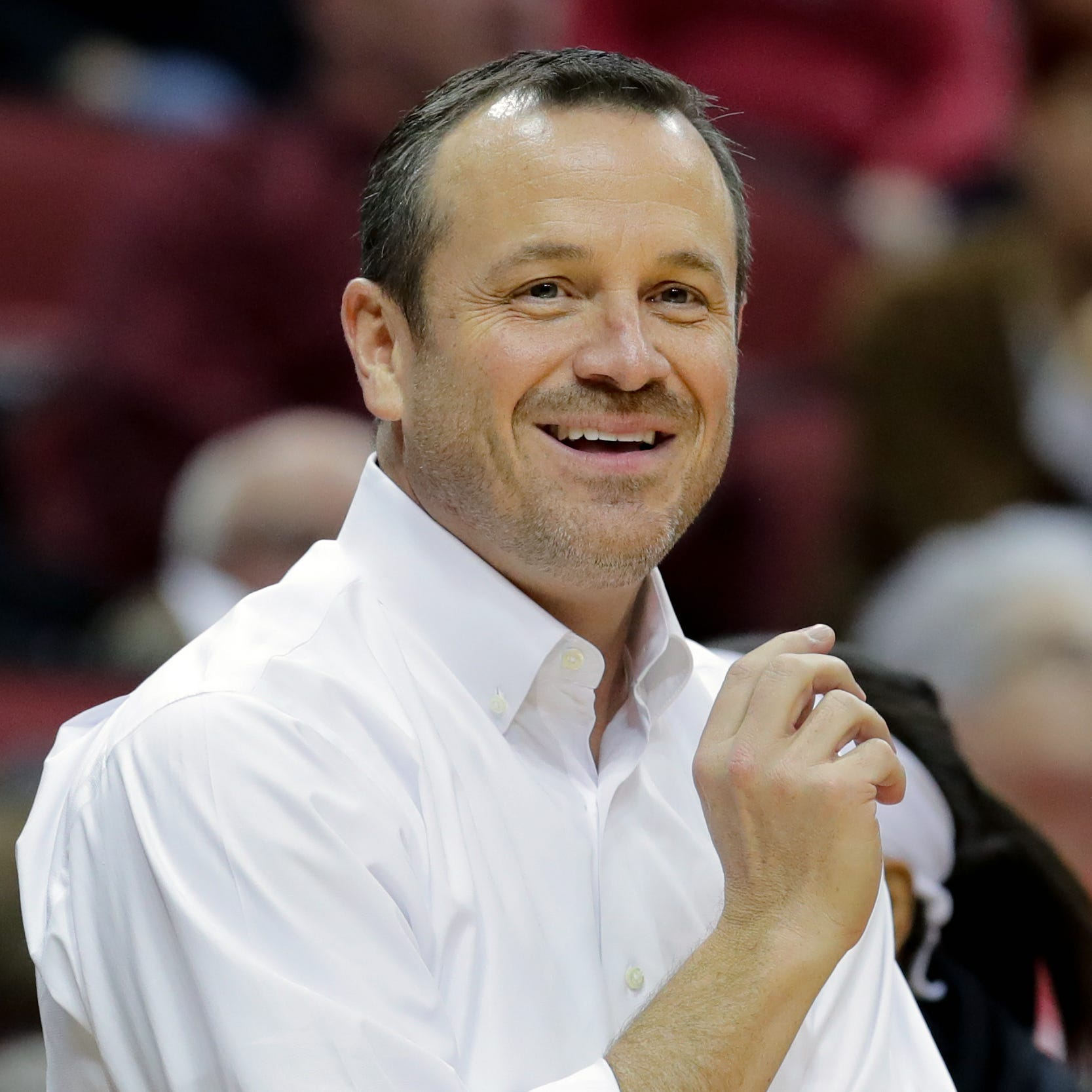 Morning Coffee: Tennessee interest or not, keeping Jeff Walz is huge for Louisville