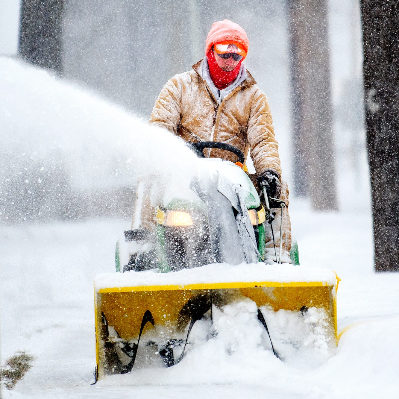 Brace yourselves, Lansing: 4 to 5 inches of snow expected Sunday into Monday