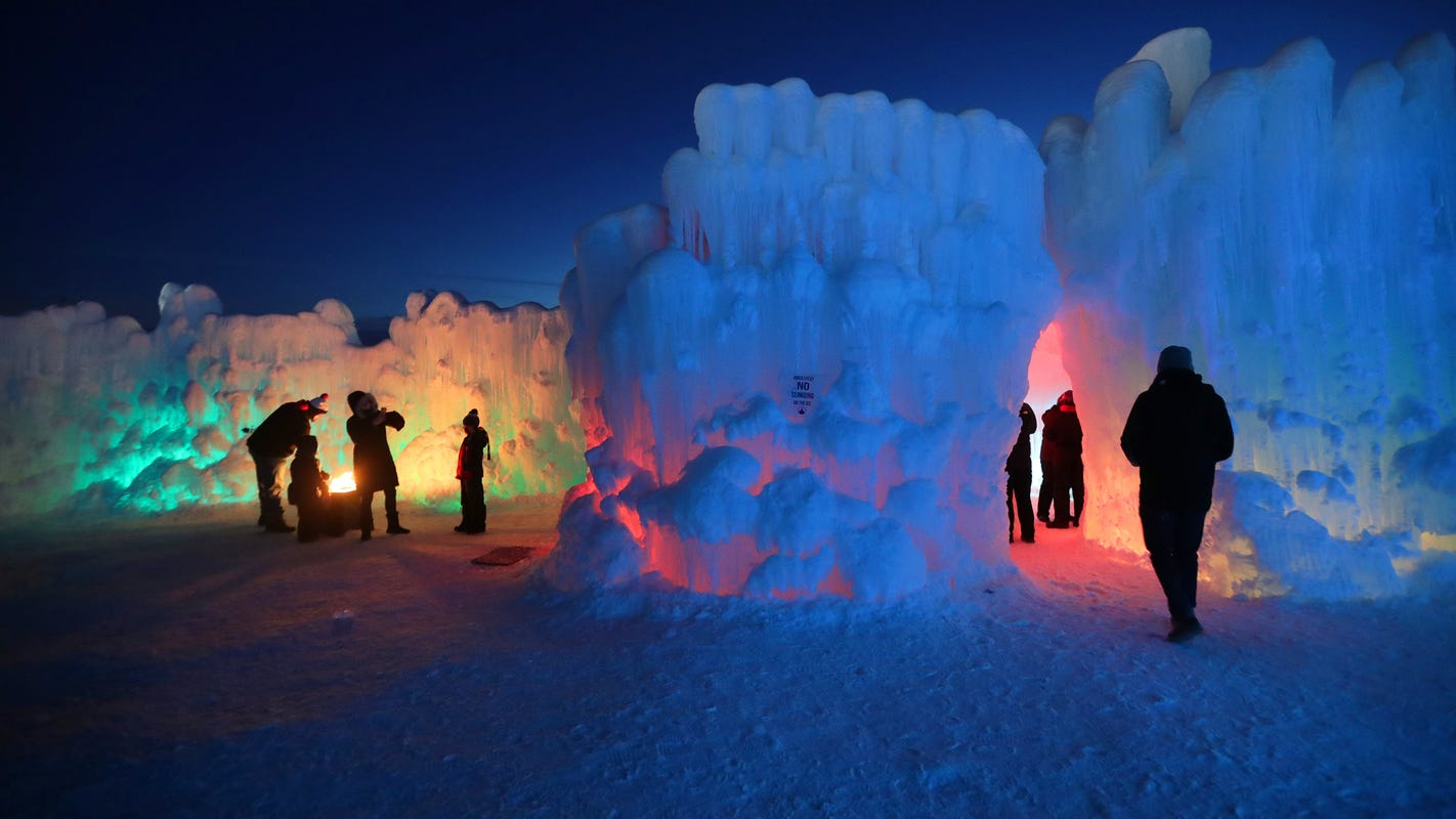 Ice Castles in Lake Geneva expected to open January 31
