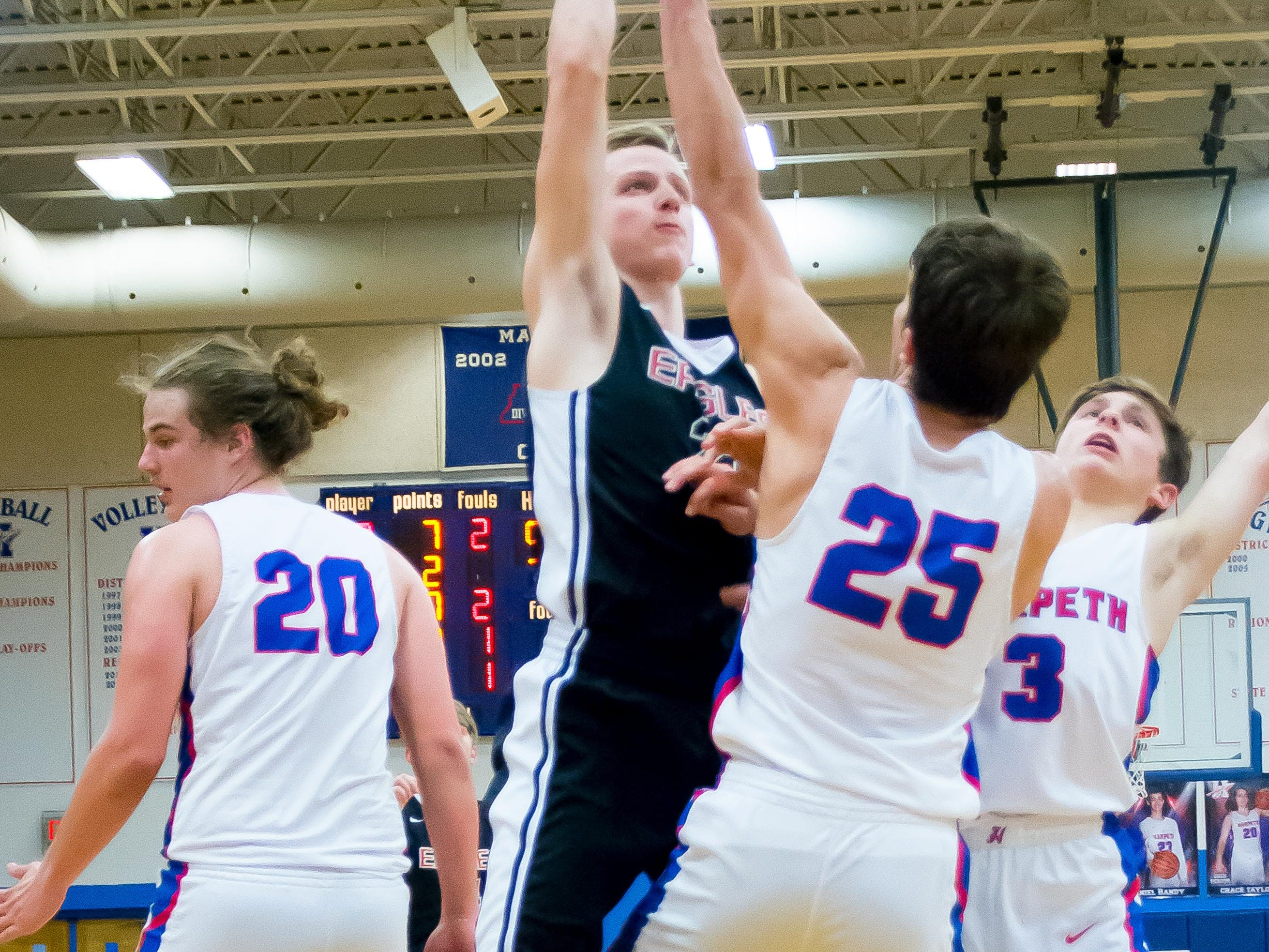Another Look at Westmorelands Kirby Bickerson putting up two.