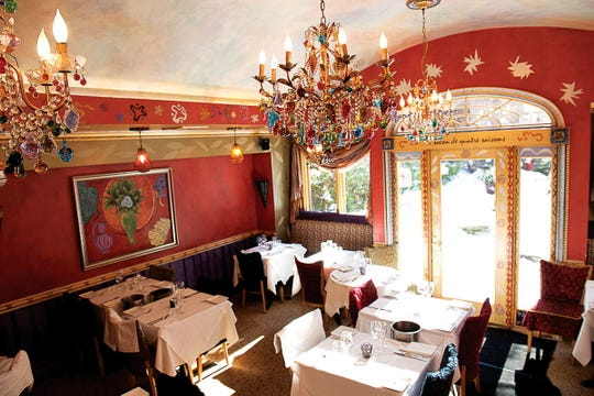 Cafe Matisse dining room