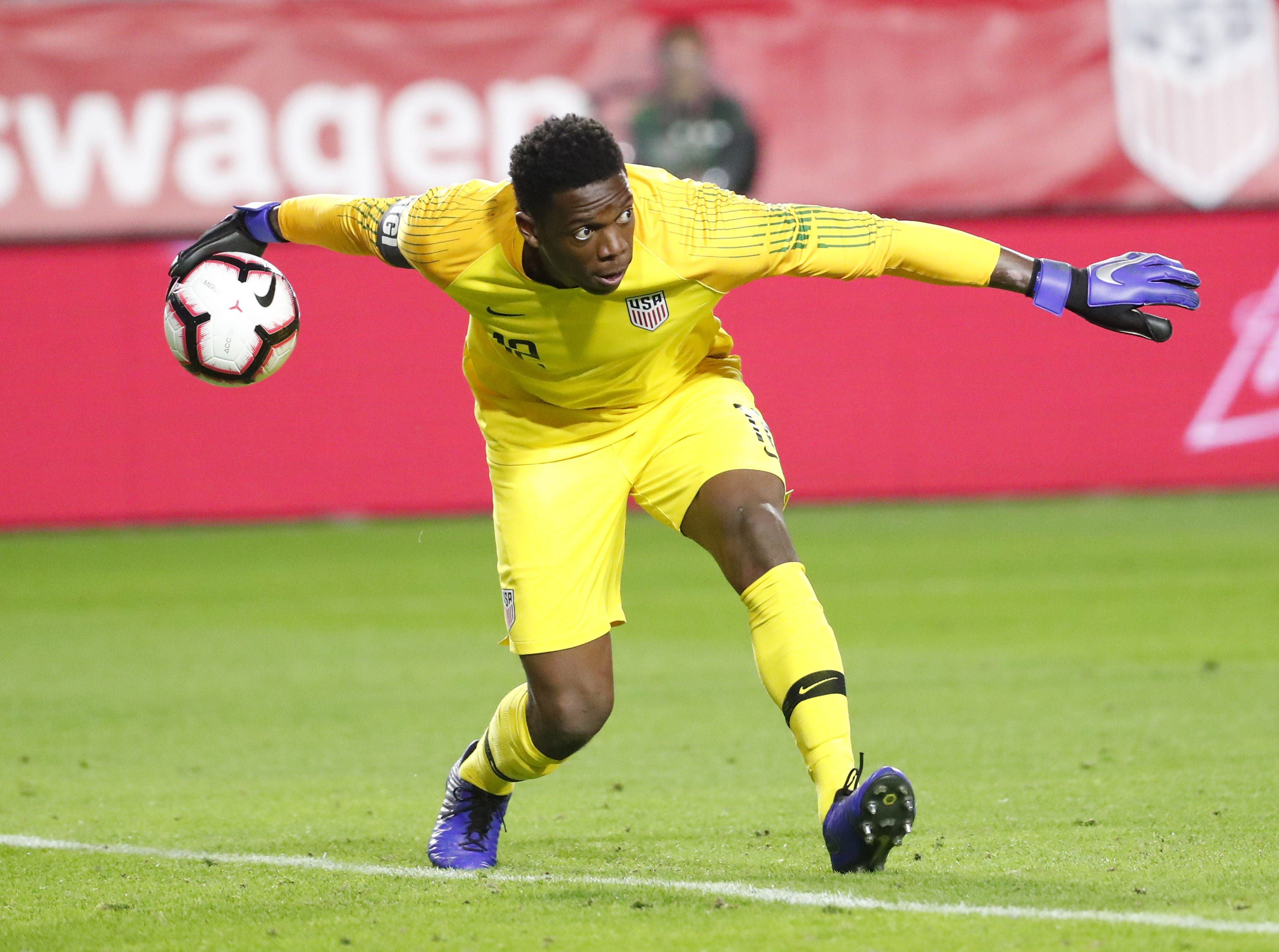 U.S. goalkeeper Sean Johnson (12) rolls the ball out against Panama during the second half of a friendly on Jan. 27, 2019 in Glendale, Ariz. The U.S. won 3-0.