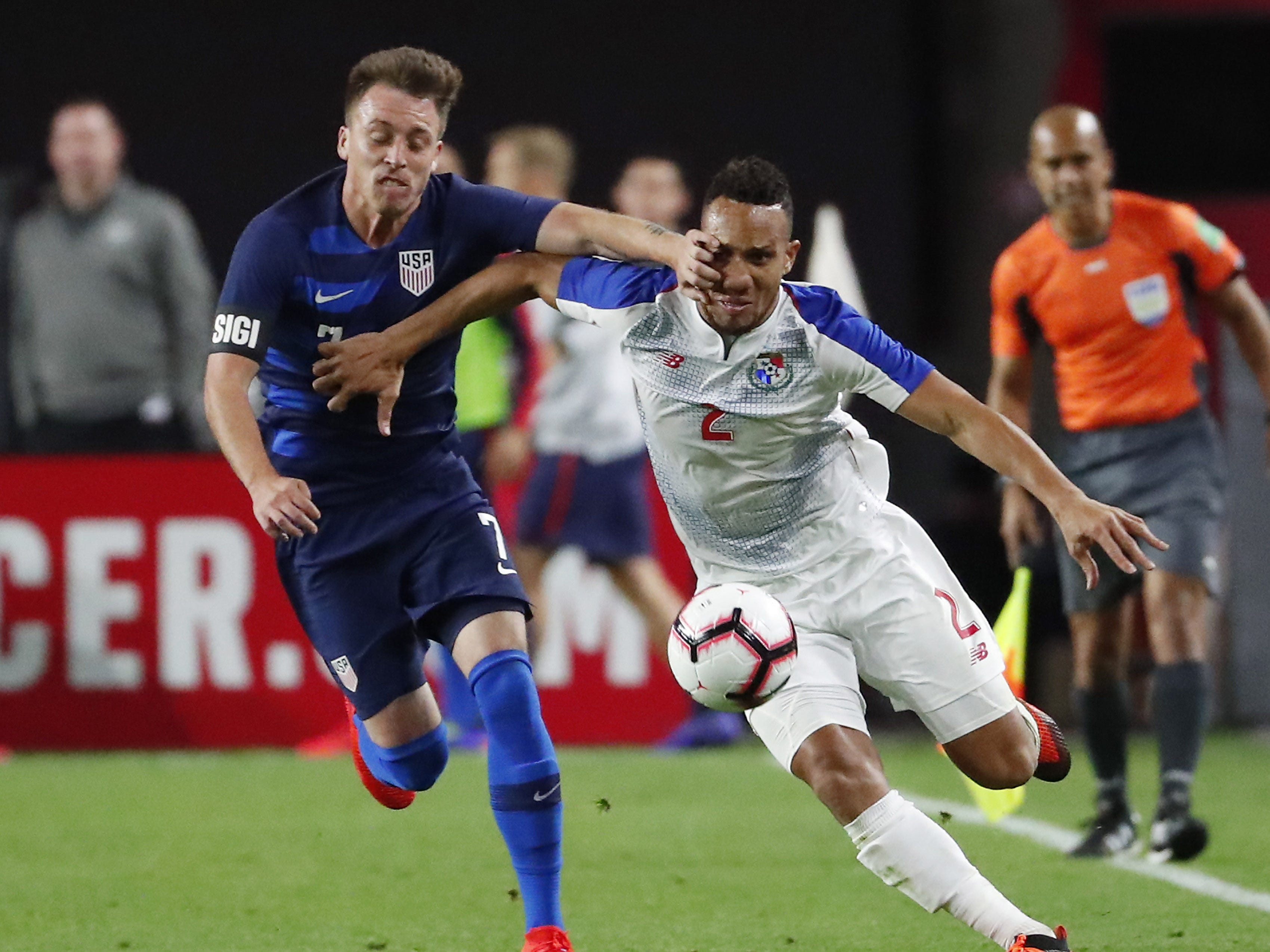 U.S. midfielder Corey Baird (7) fights Panama defender Francisco Palacios (2) for the ball during the second half of a friendly on Jan. 27, 2019 in Glendale, Ariz. The U.S. won 3-0.