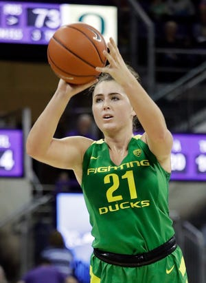 Oregon's Erin Boley, seen here playing Washington in 2019, led the Ducks with 25 points in Monday's win at Portland.