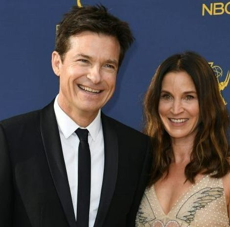 Actor Jason Bateman praised his wife Amanda Anka after winning best actor in a drama series at the 2019 SAG Awards for making his life run smoothly.