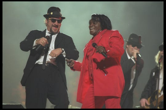 Scenes from the Blues Brothers tribute at the 1997 Super Bowl halftime show.