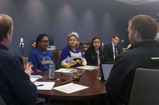 Ya'Mauris Irving, a member of Bremerton High School's newly formed Youth Leadership Council, shares her thoughts for improving life in Bremerton with members of the City Council.