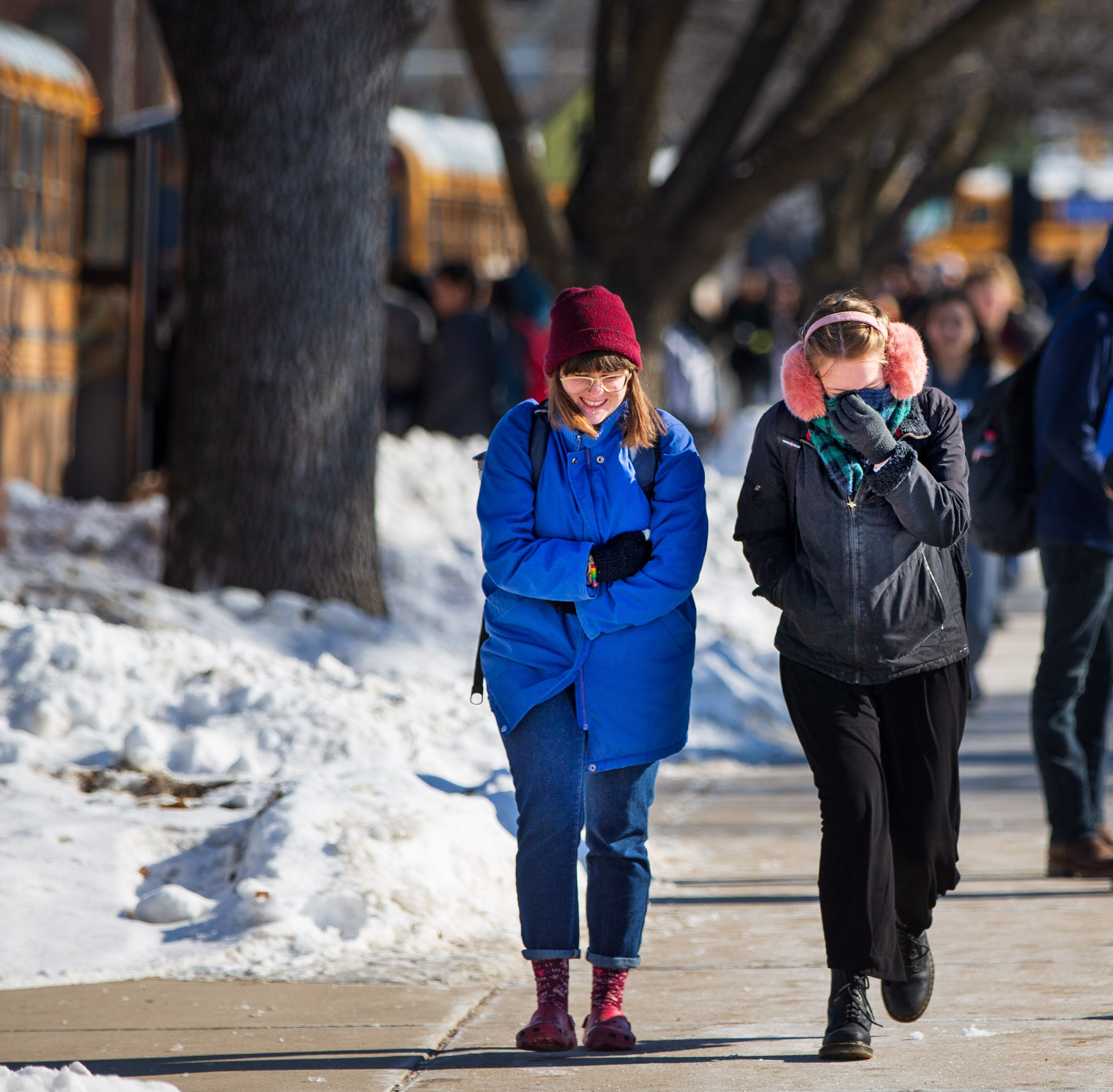 14,000 Iowans want the governor to pardon school snow days. She can't, but here's who can.
