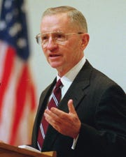 Texas billionaire H. Ross Perot, shown speaking in this April 10, 1996, file photo.  (AP Photo/George Bridges)   NY116