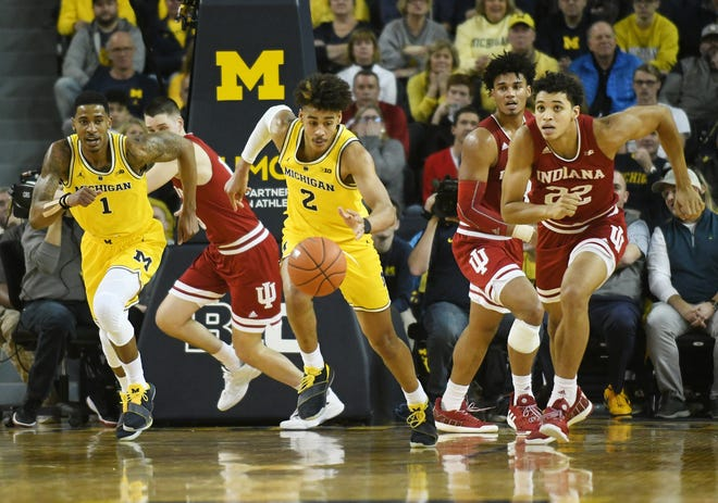 After a hot start to the season, Michigan guard Jordan Poole is averaging only 8.0 points in his last five games.