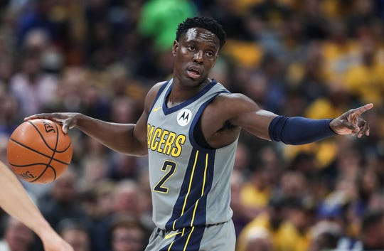 Indiana Pacers guard Darren Collison (2) works a possession in the first half of the game at Banker's Life Fieldhouse in Indianapolis, Monday, Jan. 28, 2019.