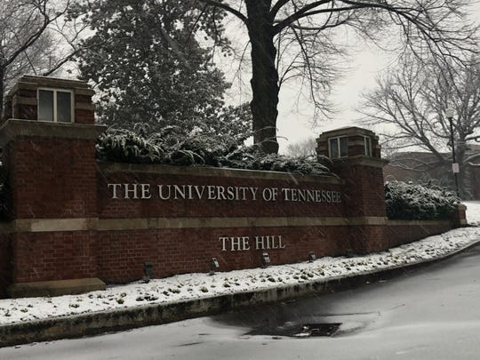 Snow falls at the University of Tennessee, Knoxville, on Tuesday, Jan. 29, 2019.