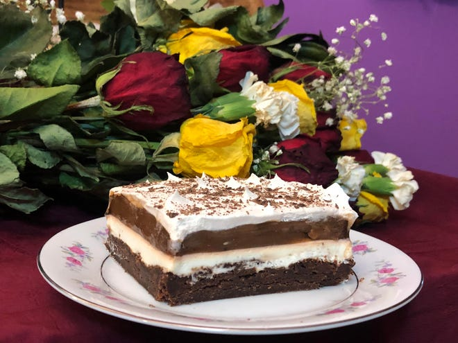 This week, Gloria shares a recipe for this Valentine's Day ooey-gooey chocolate dessert.