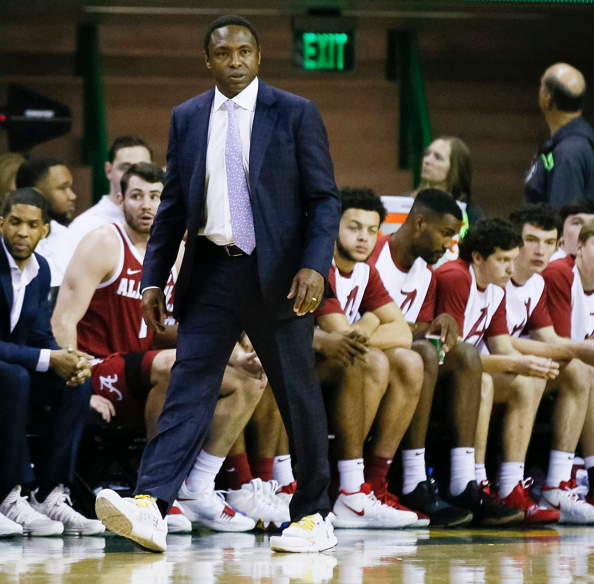 Official: Alabama, Avery Johnson mutually part ways