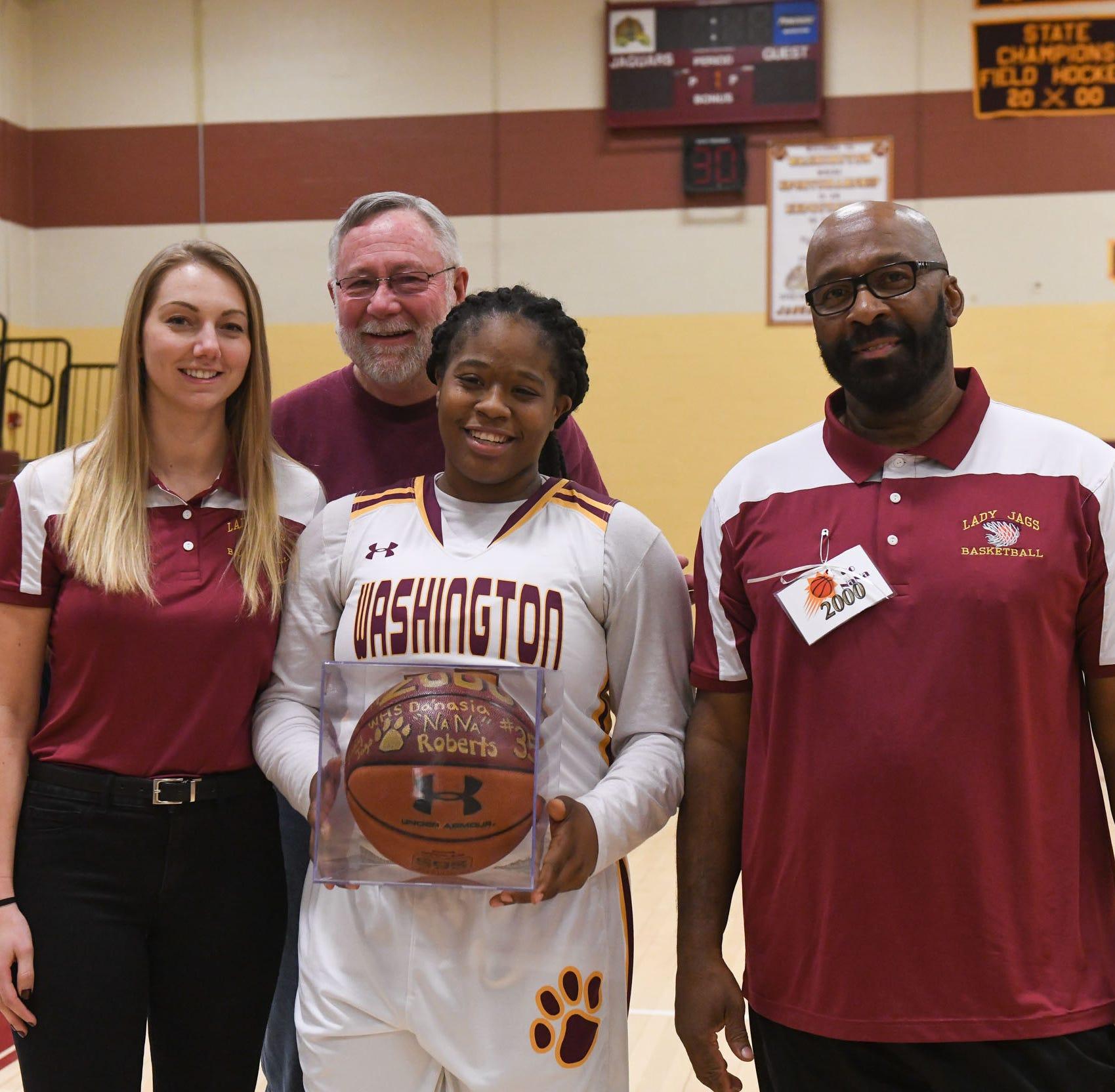 Washington girls basketball player scores 2,000 career points