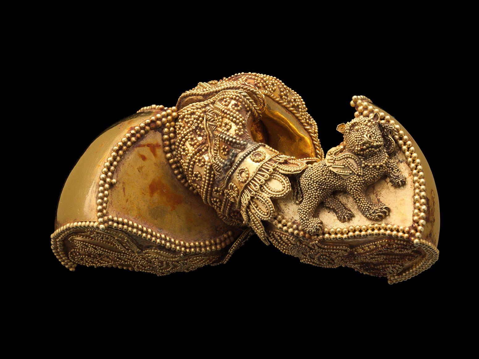 A pair of earrings in the Met's jewelry exhibit.