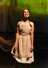 Ali Ewoldt as Anne Shirley.