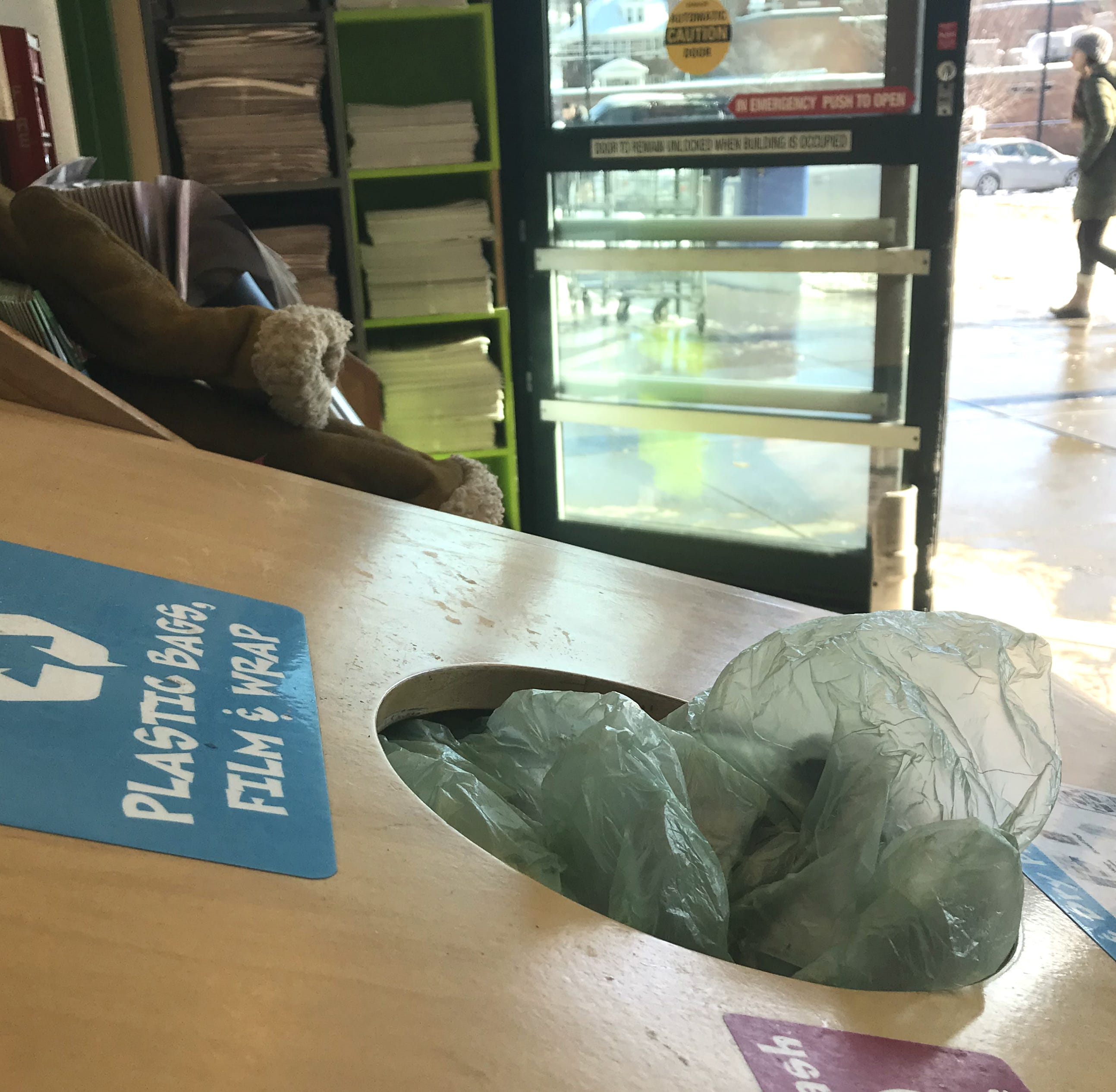 Burlington considers ban on plastic shopping bags — would it work?
