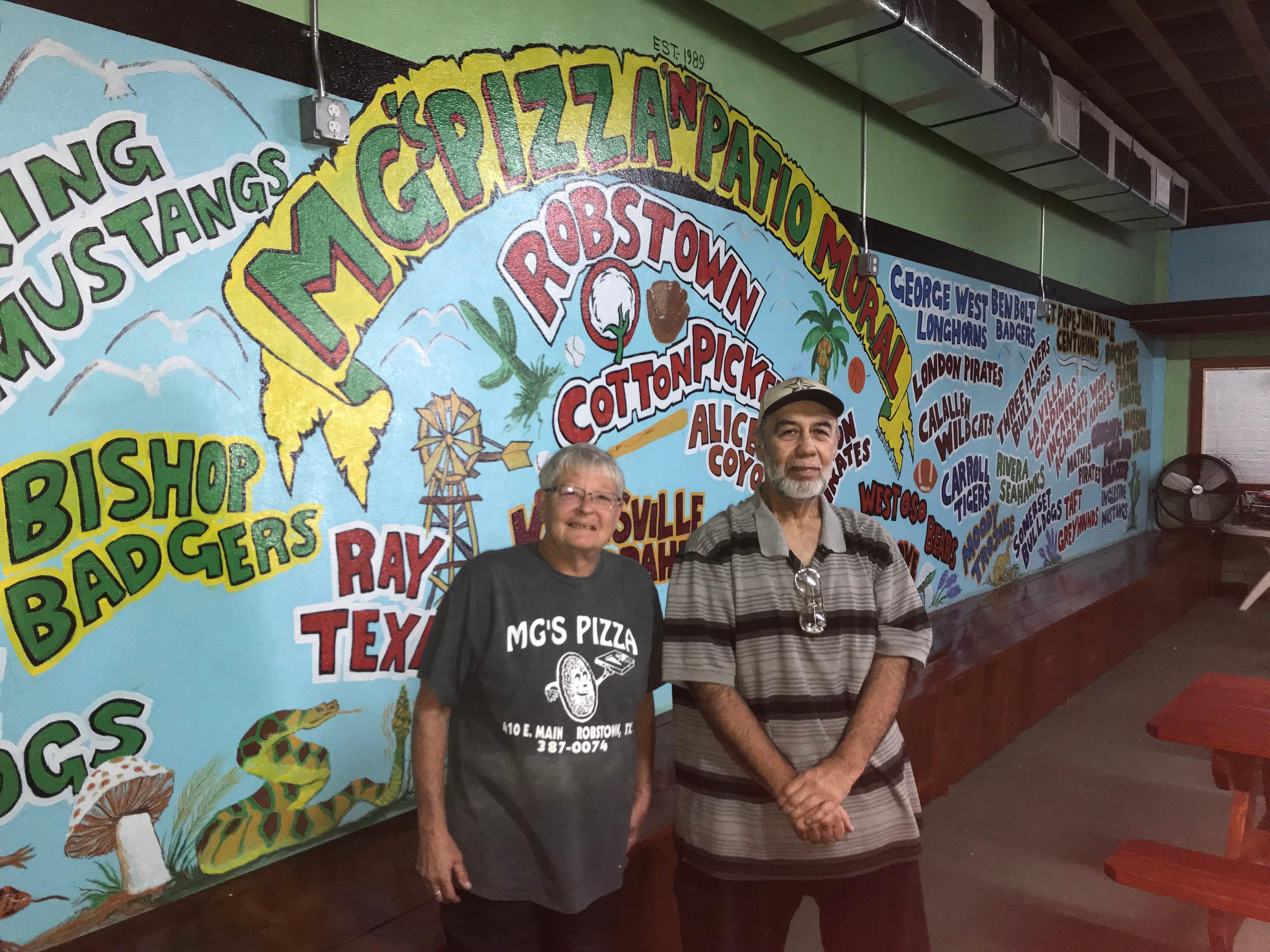 Robstown Restaurant Mural Offers Patrons Chance To Show School Spirit